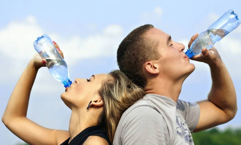 bebiendo-agua