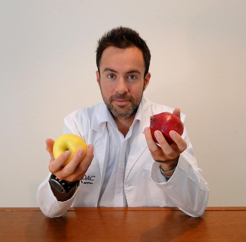 Victor-Suarez-Consulta-nutricion-frutas-recortado bata blanca